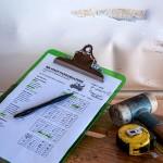 修理する時に保険を使うか自己負担のどちらがお得か
